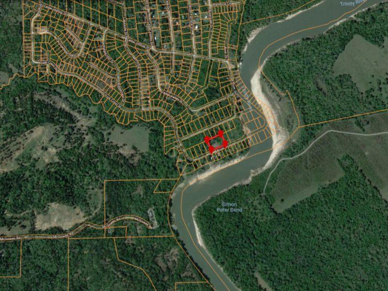 1.377 Acres in Coldspring TX d