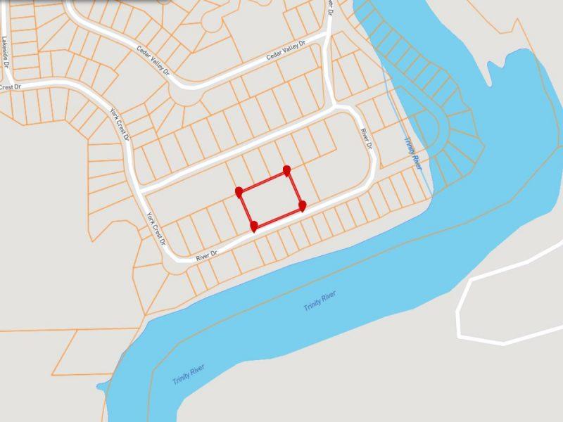1.377 Acres in Coldspring TX e